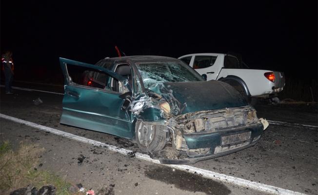 Otomobille tarım aracı çarpıştı: 5 yaralı