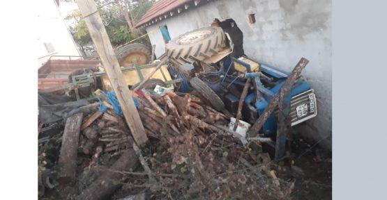 Ahırın duvarına çarpan traktörün sürücüsü öldü