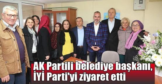 AK Partili belediye başkanı, İYİ Parti'yi ziyaret etti