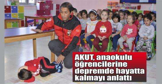 AKUT, anaokulu öğrencilerine depremde hayatta kalmayı anlattı