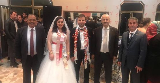 Başkan Büyükgöz çiftleri yalnız bırakmadı