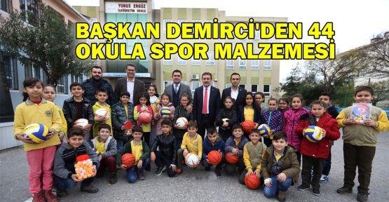 Başkan Demirci'den 44 okula spor malzemesi