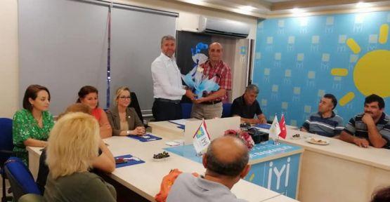 CHP'den, İYİ Parti'ye hayırlı olsun ziyareti