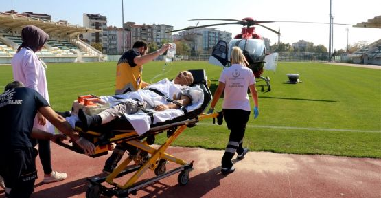 Damarı yırtılan hasta hava ambulansıyla sevk edildi
