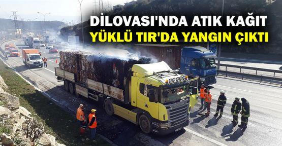 Dilovası'nda atık kağıt yüklü TIR'da yangın çıktı