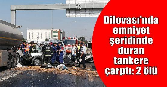 Dilovası'nda emniyet şeridinde duran tankere çarptı: 2 ölü