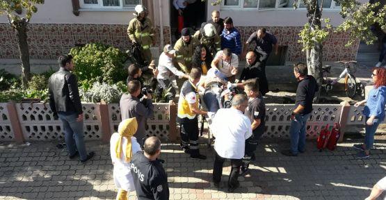 Elektrik akımına kapılan iki işçi yaralandı