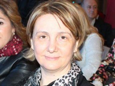 Emine Zeybek istifa etti