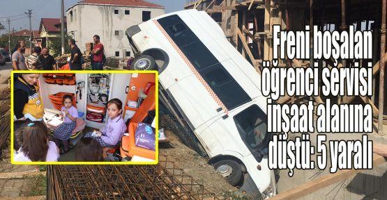 Freni boşalan öğrenci servisi inşaat alanına düştü: 5 yaralı