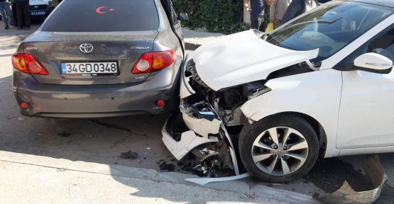 Gebze'de iki otomobil çarpıştı: 4 yaralı