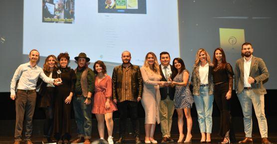 'Hayata Sarı Not Bırak' projesine iki önemli ödül