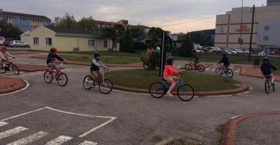 İzmit'te bisiklet kullanmayı bilmeyen öğrenci kalmayacak