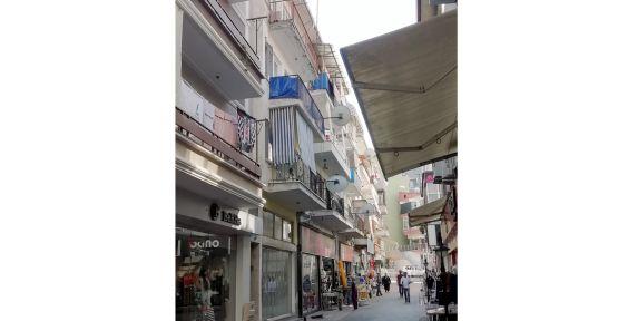 Kocaeli'de balkondan düşen kişi ağır yaralandı