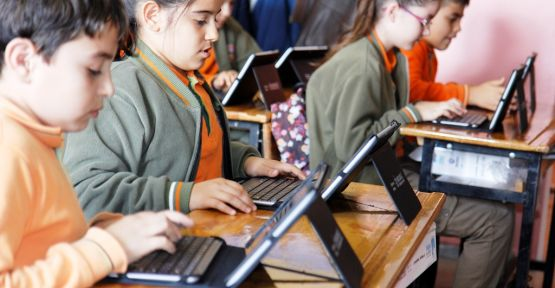 Öğrencilere 27 bin 180 tablet bilgisayar verilecek