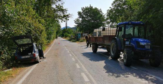 Otomobille traktör çarpıştı: 1 yaralı
