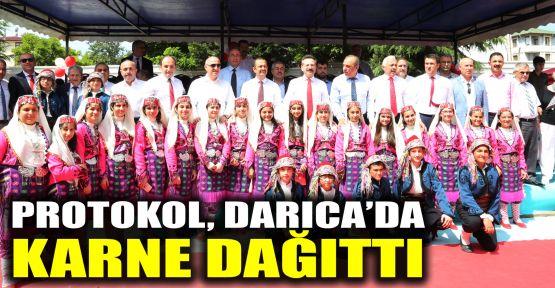 Protokol Darıca'da karne dağıttı