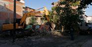 Tehlike yaratan binalar yıkılıyor