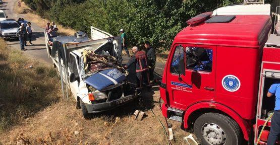 Trafik kazasında kamyonetin sürücüsü öldü