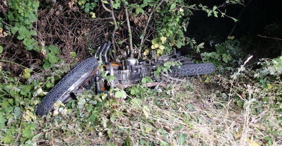Uçuruma düşen motosikletin sürücüsü öldü