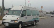 Tek plakayı iki minibüste kullanan kişiye 8 bin 960 lira ceza yazıldı