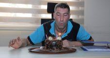Başkan Büyükakın'dan engelli personele doğum günü pastası