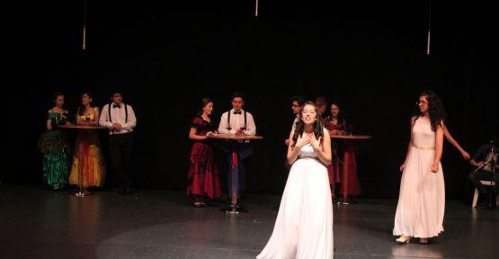Yücel Boru öğrencilerinden müzikal tiyatro