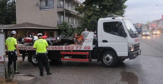 Zincirleme kazada motosiklet sürücüsü öldü