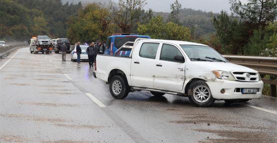 10 aracın karıştığı zincirleme kazada 4 yaralı