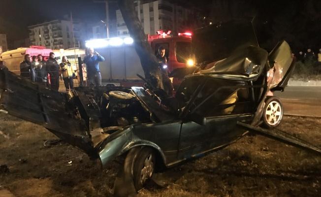 Ağaca çarpan aracın sürücüsü öldü