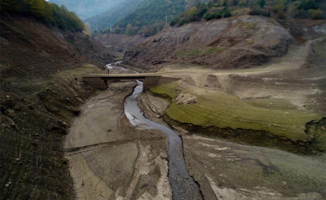 Yuvacık Barajı'nda su seviyesi düşünce eski köprü ortaya çıktı