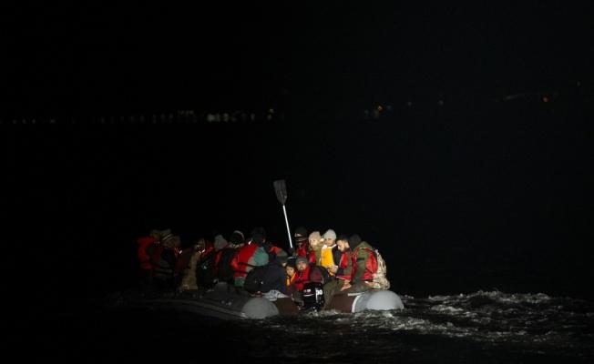 AA, Sahil Güvenlik ekiplerinin düzensiz göçle mücadelesini görüntüledi