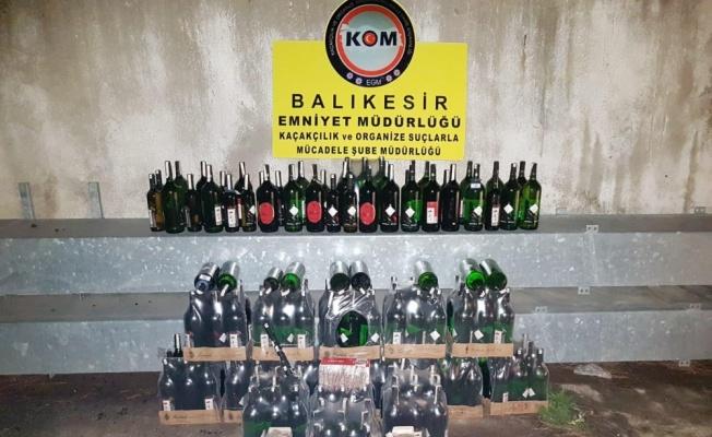 Balıkesir'de kaçak içki operasyonunda 3 şüpheli yakalandı