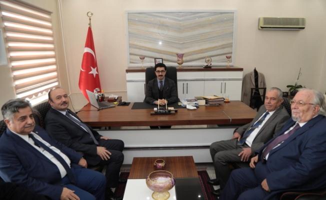 BANÜ Rektörü Prof. Dr. Özdemir, Manyas'ta öğrencilerle buluştu