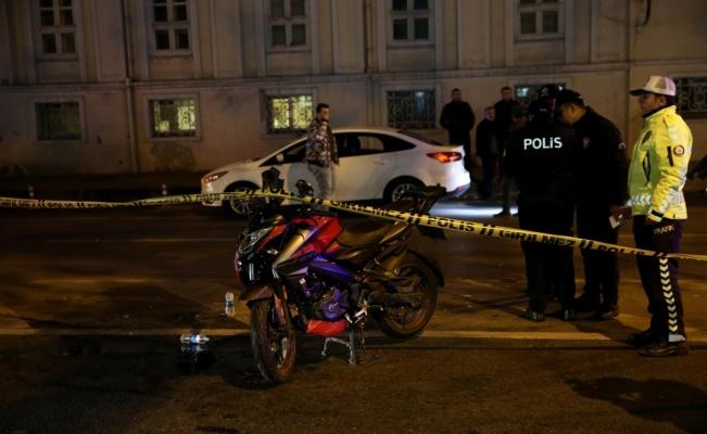 Beşiktaş'ta motosiklet polis aracına çarptı: 2 yaralı