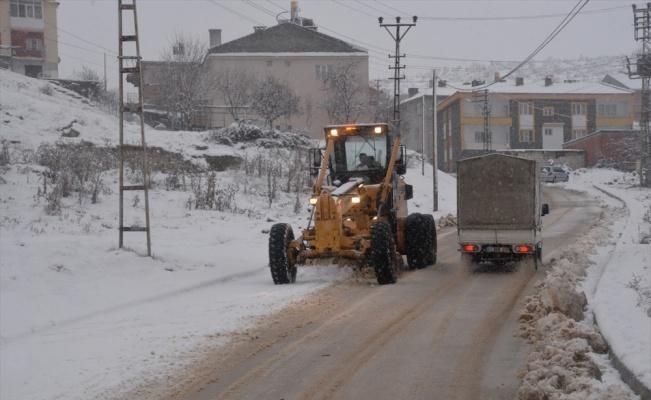Bilecik'te kar yağışı etkili oluyor