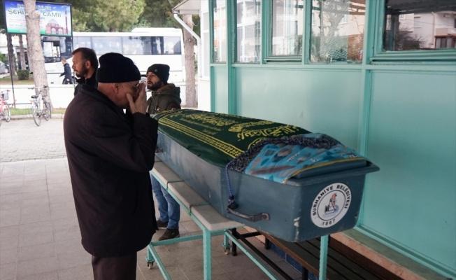 Boş zannedilen silahla öldürülen genç kız toprağa verildi
