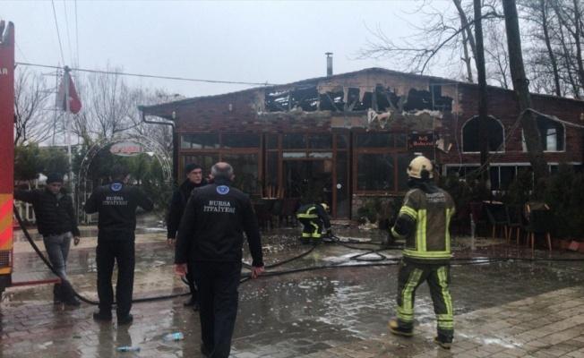 Bursa'da bir sosyal tesisteki yangın maddi hasara neden oldu