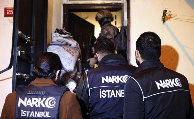 İstanbul'da uyuşturucu satıcılarına yönelik operasyonda 103 şüpheli gözaltına alındı
