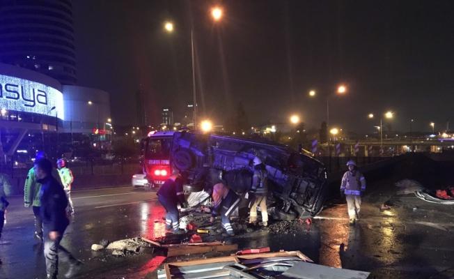Kadıköy'de trafik kazası: 4 yaralı
