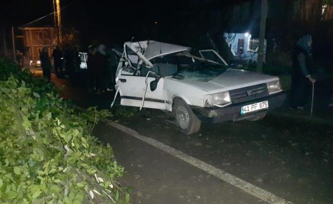 Kandıra'da traktör ve otomobilin çarpıştığı kazada 1 kişi yaralandı