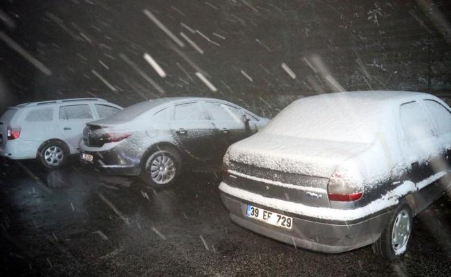 Kırklareli'nin yüksek kesimlerinde kar yağışı başladı