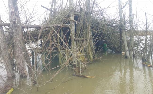 Acarlar Longozu'ndaki kaçak yapılar yıkıldı