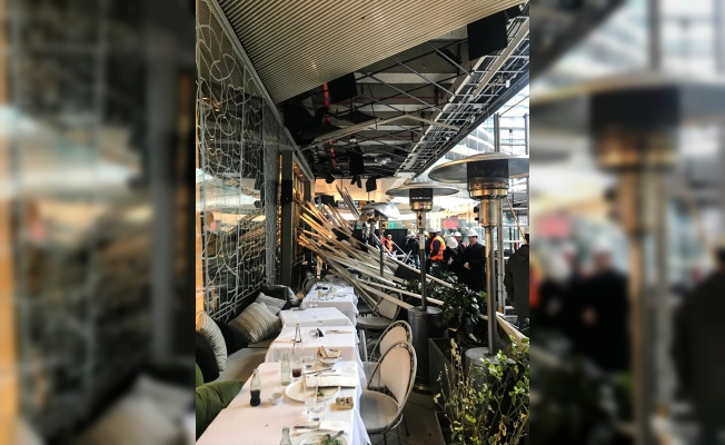 AVM'deki kafeteryanın çatısı çöktü: 6 yaralı