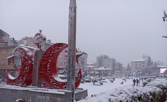 Dursunbey ve Sındırgı'da kar yağışı