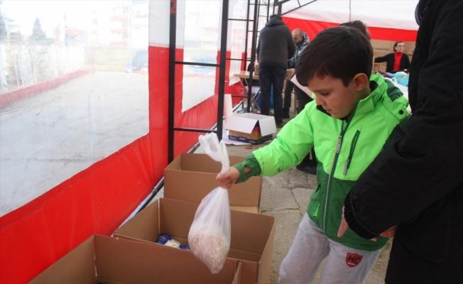 Edirne'de depremzedeler için yardım kampanyası devam ediyor