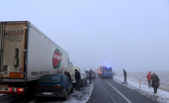 Edirne'de zincirleme trafik kazası otoyolda ulaşımı yarım saat aksattı