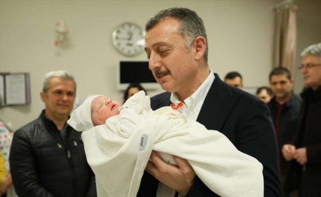 Kocaeli'de yeni yılın ilk bebeği doğdu