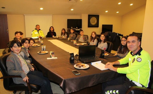 Öğrencilerden Sakarya Emniyet Müdürlüğüne ziyaret