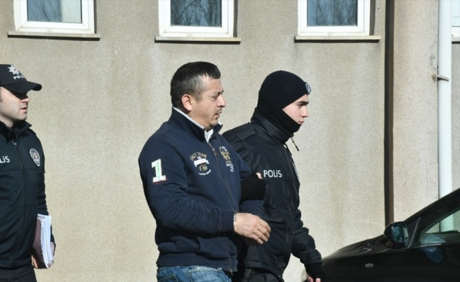 Taksiciyi gasbettiği iddiasıyla gözaltına alınan zanlı tutuklandı