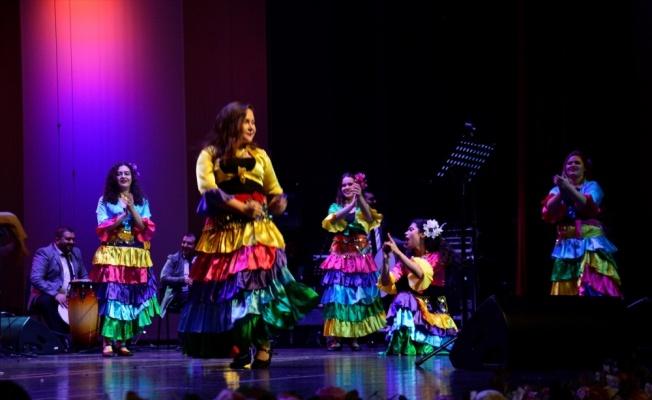 Taksim Trio, Bursa'da konser verdi